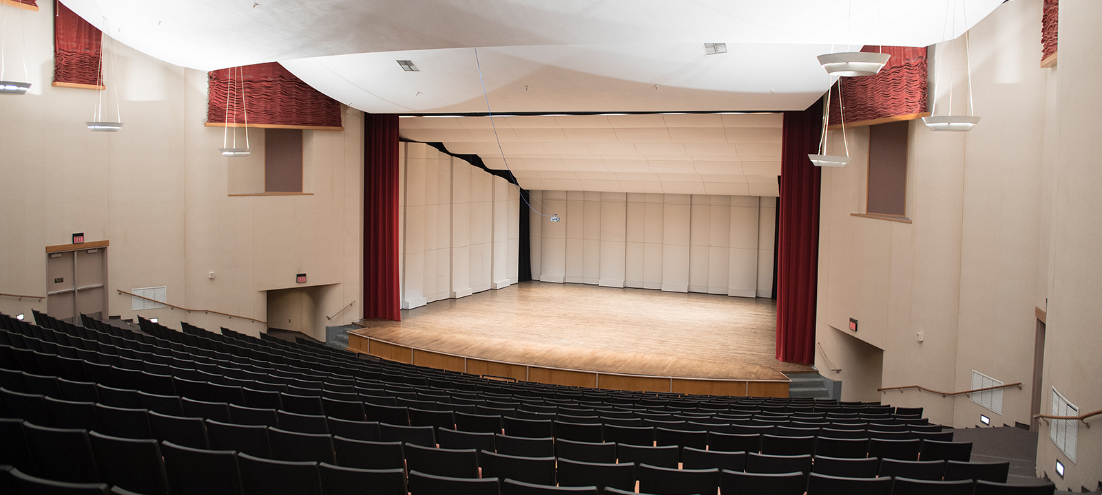 Roussel Hall hosts weekly concerts, dance performances and lectures. Inquire to rent the hall today.