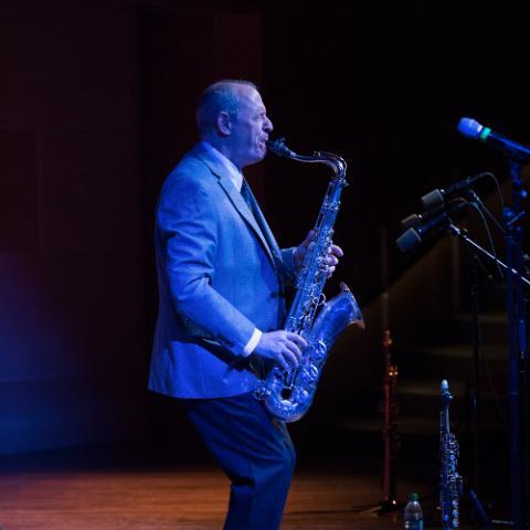 Tony Dagradi, saxophone