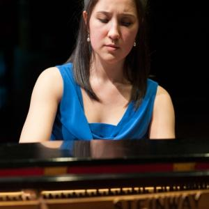 Dr. Sonya Schumann, piano